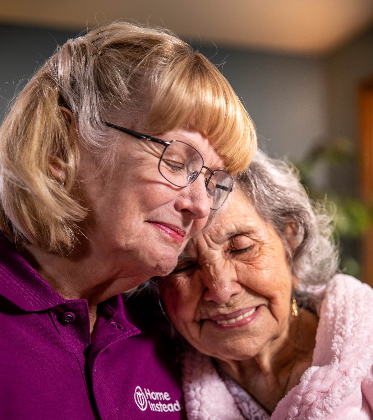 CAREGiver providing in-home senior care services. Home Instead of Hewitt, TX provides Elder Care to aging adults.